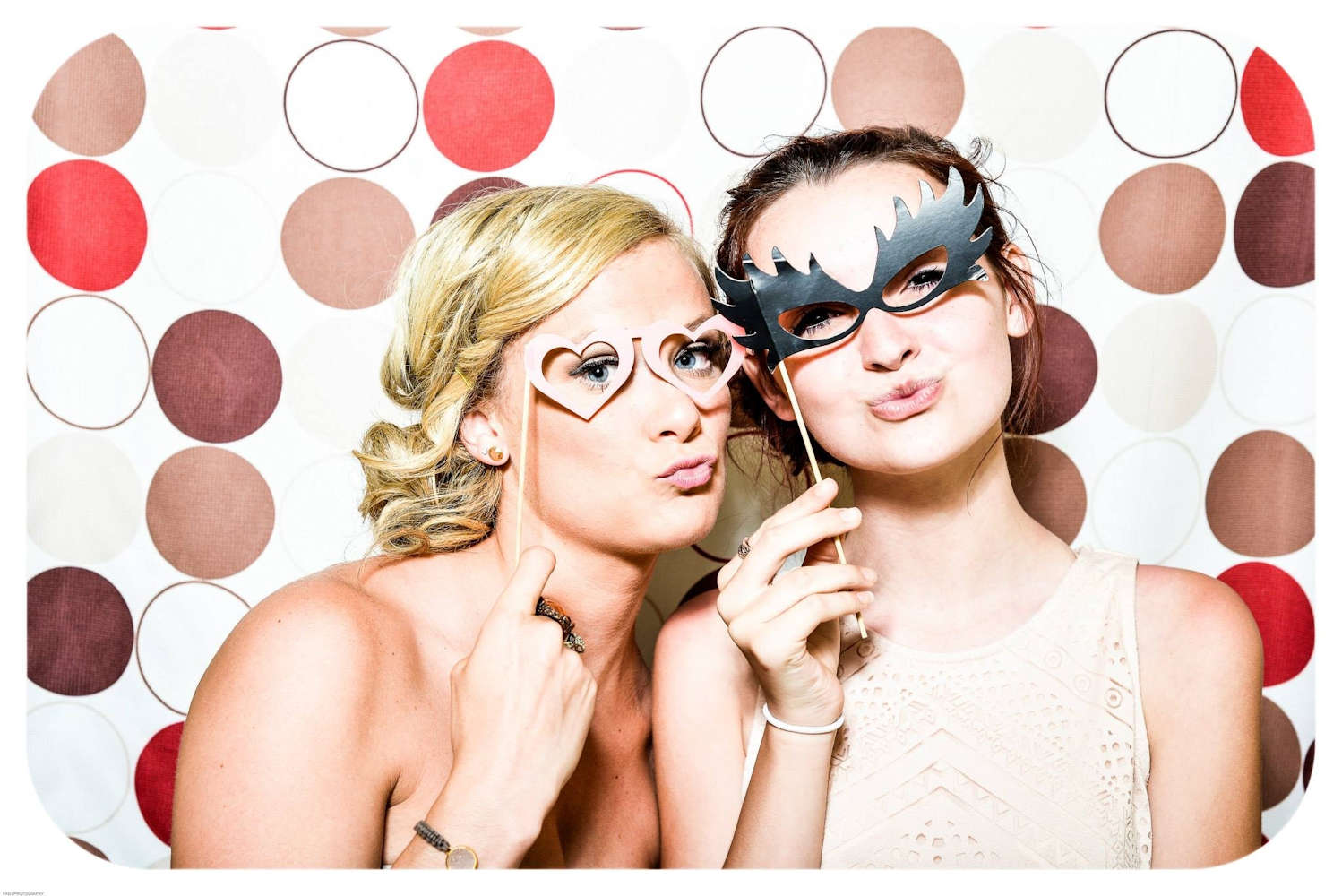 Photobooth Picture Ideas – Snapshots to Remember!
