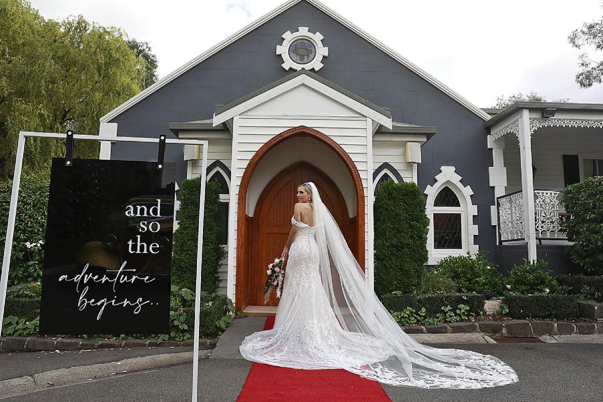 Wedding Services Melbourne Photoshoot - Ballara Receptions